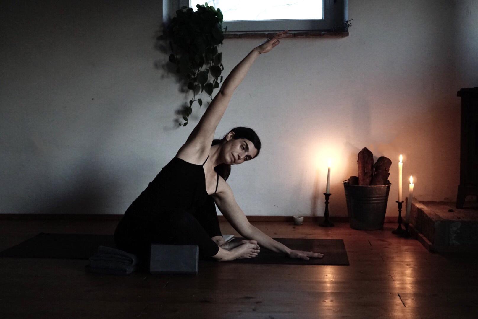 La Vita Yoga - la pratica yoga restorative yoga